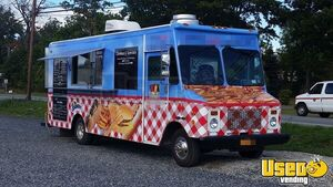 Chevy P-30 / Grumman Mobile Kitchen Food Truck for Sale in New York - Small 2