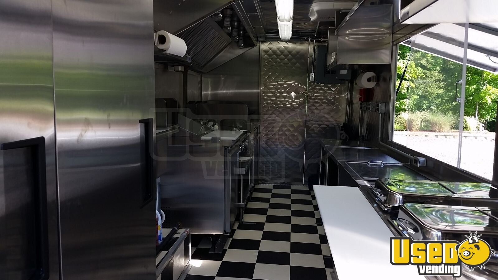 Chevy P-30 / Grumman Mobile Kitchen Food Truck for Sale in New York - 6
