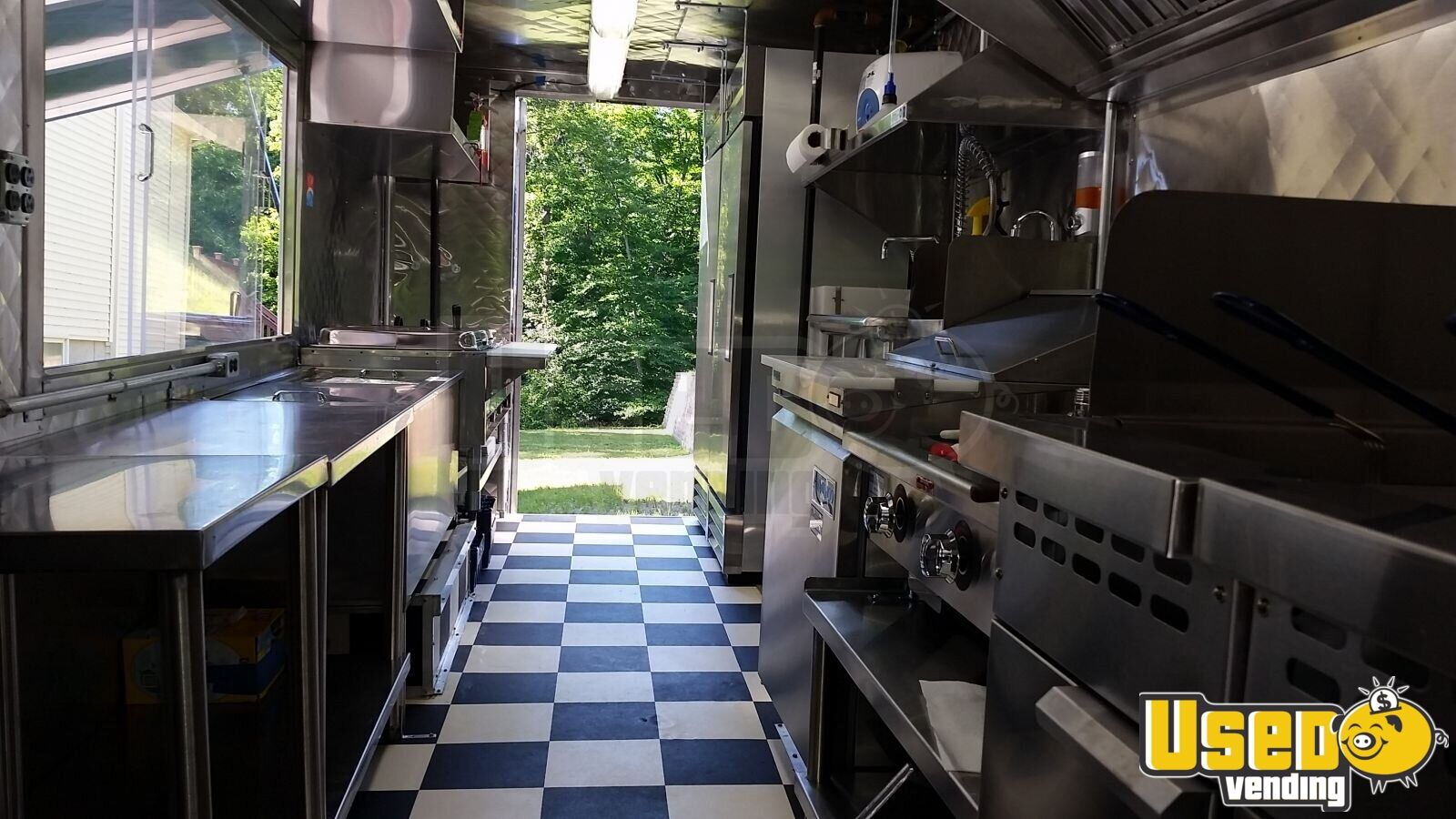 Chevy P-30 / Grumman Mobile Kitchen Food Truck for Sale in New York - 9