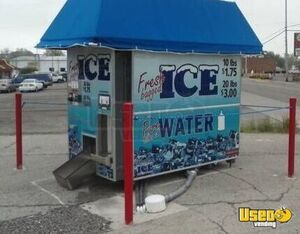 Commercial Ice Vending Machine Drive Up Ice Kiosk For