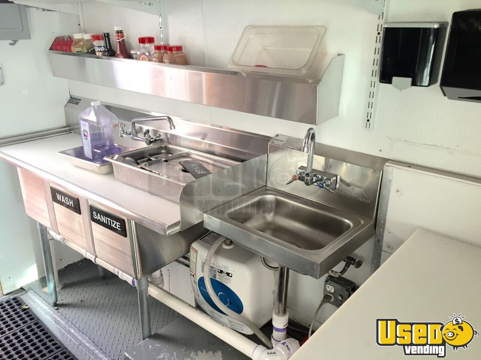 Chevy Workhorse Food Truck Mobile Kitchen for Sale in Massachusetts - 14