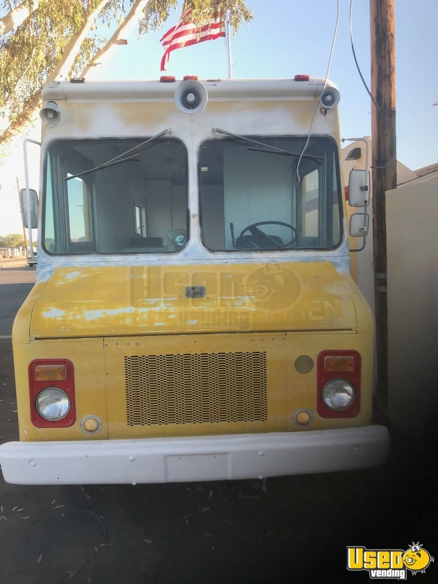 Vintage 1976 Grumman Ice Cream /  Beverage Truck for Sale in Arizona - 2