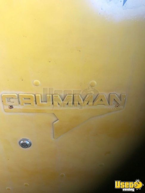 Vintage 1976 Grumman Ice Cream /  Beverage Truck for Sale in Arizona - Small 4