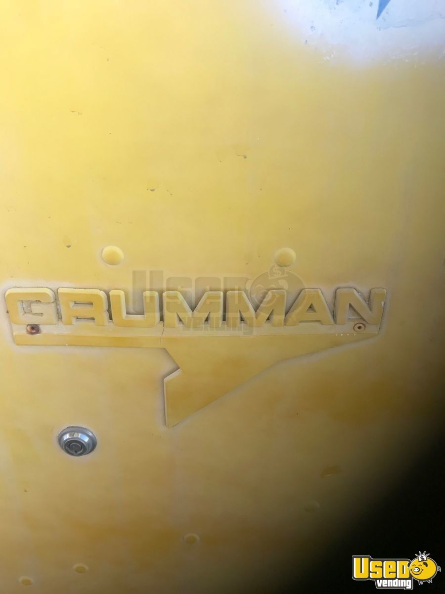 Vintage 1976 Grumman Ice Cream /  Beverage Truck for Sale in Arizona - 4