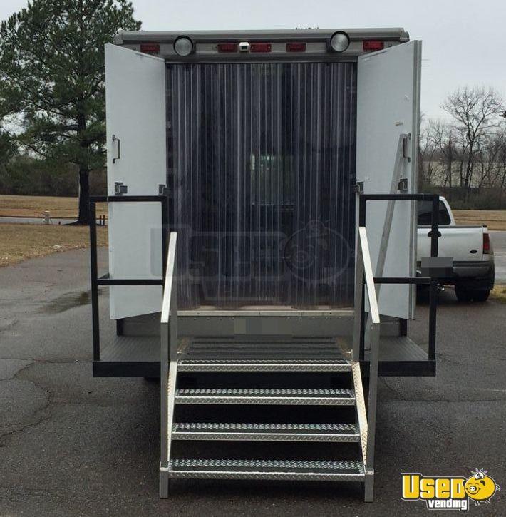 freightliner mobile business truck for sale in tennessee. Black Bedroom Furniture Sets. Home Design Ideas