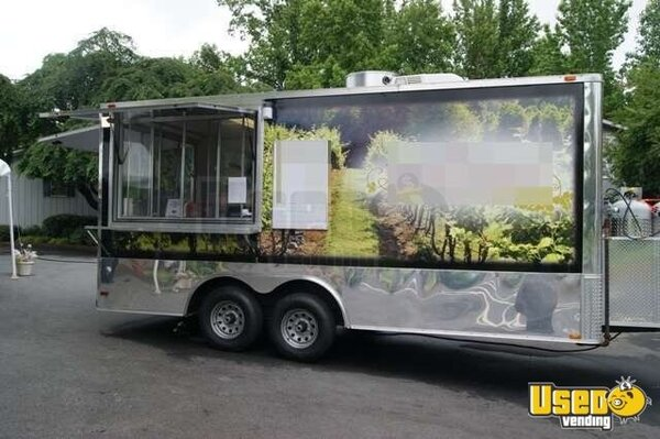 2013 - Valiant 18' Mobile Kitchen Concession Trailer!!!
