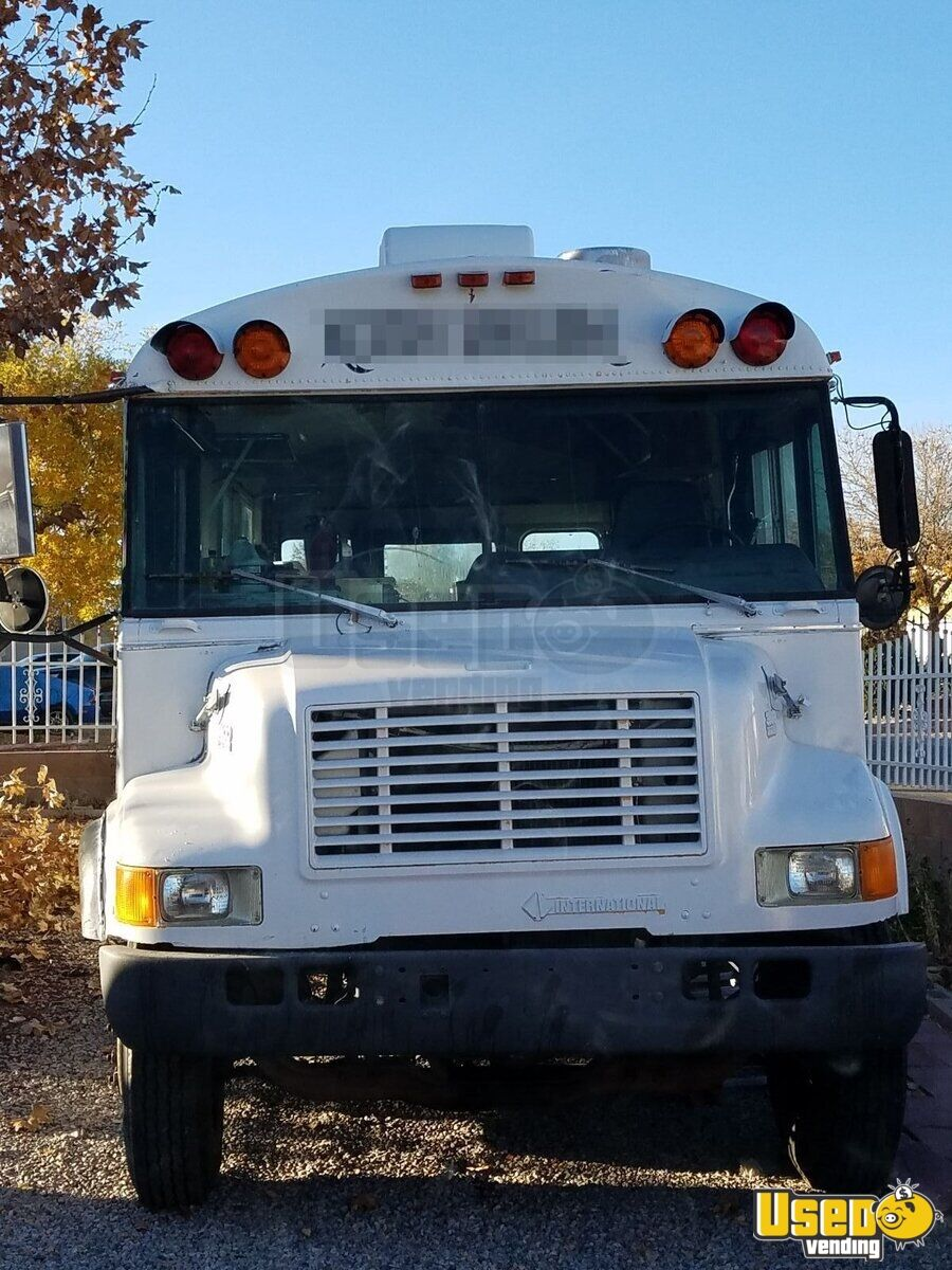 International 3600 Mobile Kitchen Food Truck / Bus for Sale in New Mexico - 4