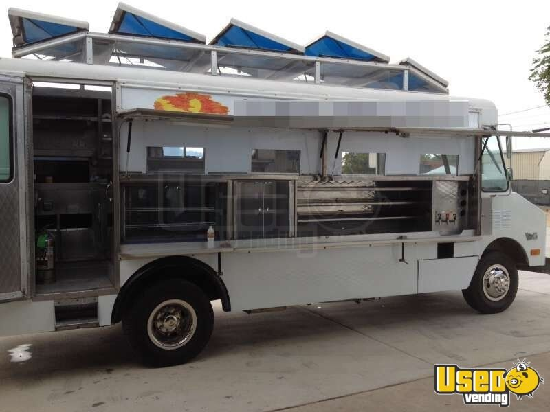 texas gmc p30 mobile kitchen used food truck for sale. Black Bedroom Furniture Sets. Home Design Ideas