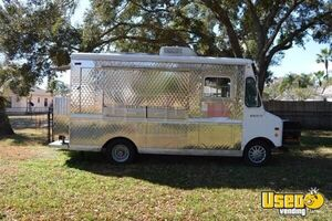 7' x 25' Ford Food Truck for Sale in Florida - Small 4