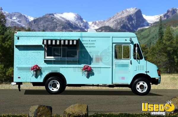 chevy p30 lunch truck mobile kitchen truck for sale in colorado. Black Bedroom Furniture Sets. Home Design Ideas