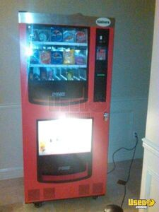 (1) - 2007 Gaines VM-750B Electrical Snack & Soda Vending Machine!!!