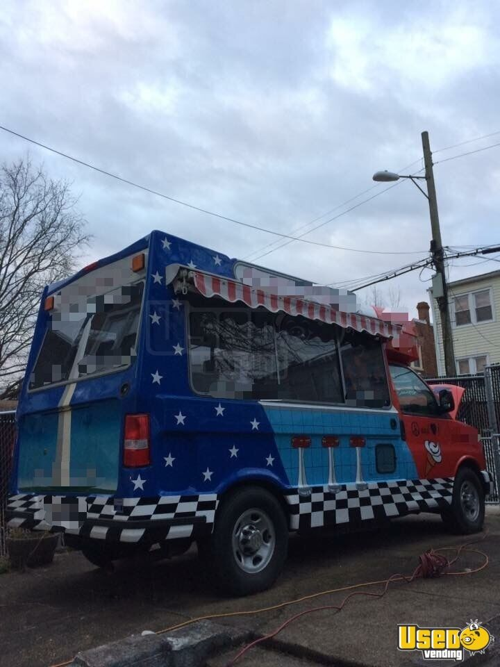 2012 Chevy Ice Cream Truck for Sale in District of Columbia - 4