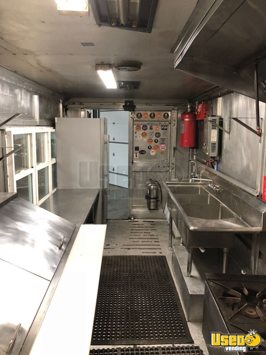 P-42 Workhorse Mobile Kitchen Food Truck for Sale in Michigan - 9