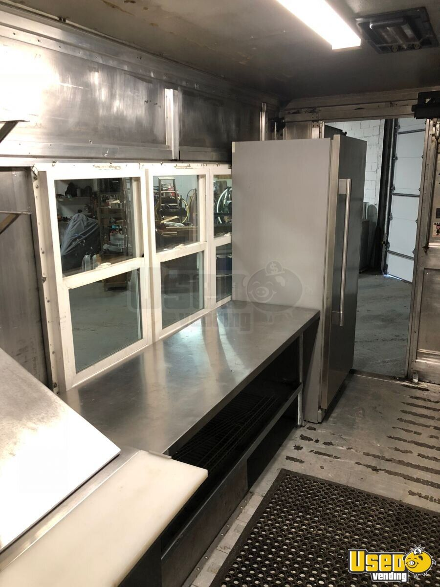 P-42 Workhorse Mobile Kitchen Food Truck for Sale in Michigan - 10