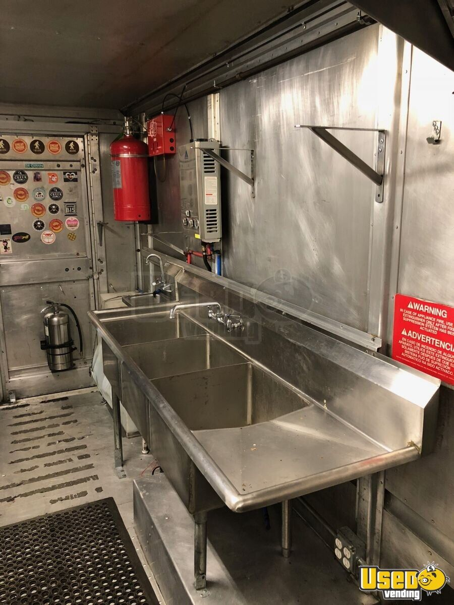 P-42 Workhorse Mobile Kitchen Food Truck for Sale in Michigan - 12