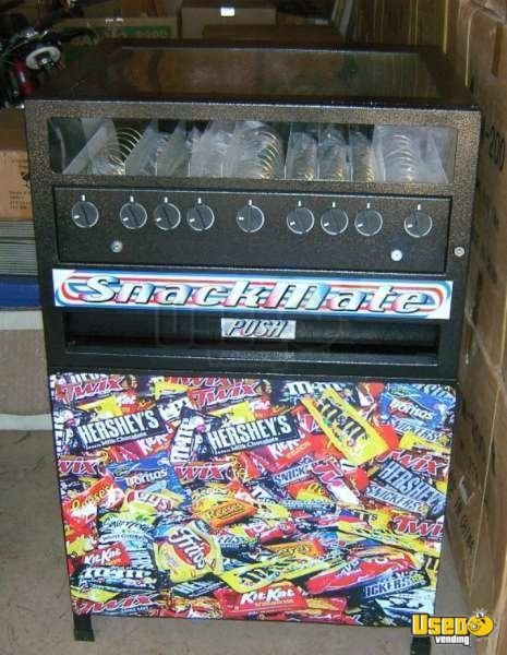 (7) - Snackmate VM200 Mechanical Snack Vending Machines - New In Boxes!