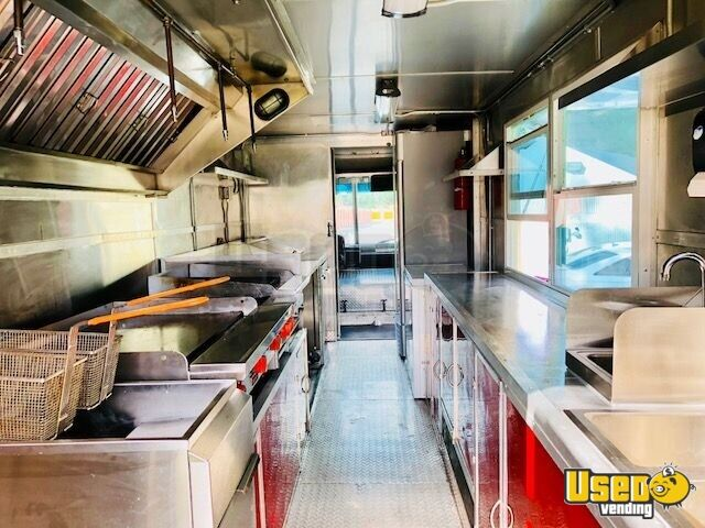 22' Freightliner Food Truck for Sale in Florida - 3