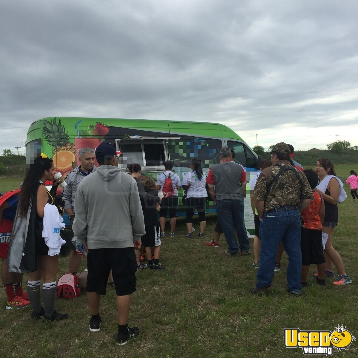 2014 Mercedes Smoothie / Beverage Truck for Sale in Texas - 4