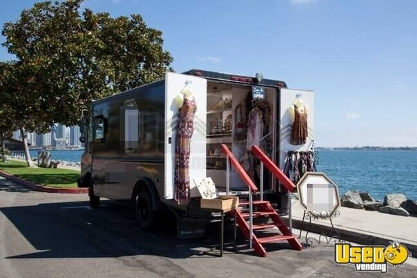 mobile boutique truck for sale in california retail mobile business. Black Bedroom Furniture Sets. Home Design Ideas