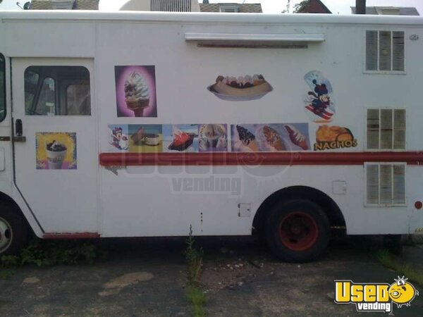 1989 Ice Cream Vending Truck!!!
