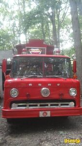 Vintage Fire Engine Food Truck for Sale in North Carolina - Small 2
