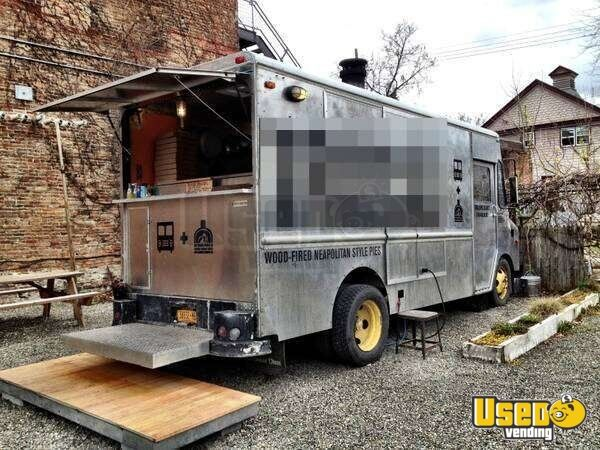 1982 Gruman Kurbmaster Wood-fired Pizza Oven Food Truck!!!