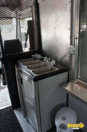 P30 Mobile Kitchen Truck for Sale in Florida - 7