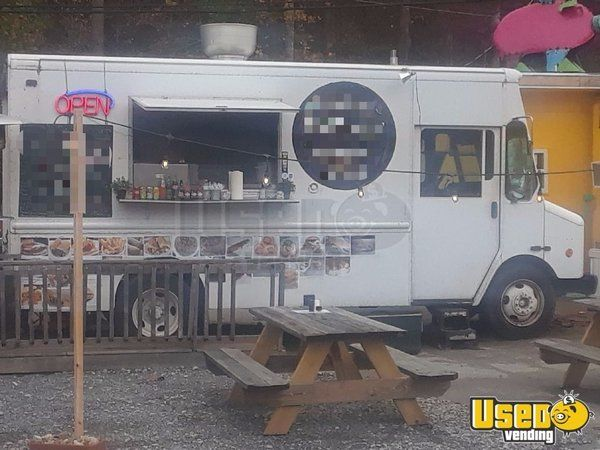 Workhorse BBQ / Mobile Kitchen / Food Truck for Sale in Tennessee - Small 2