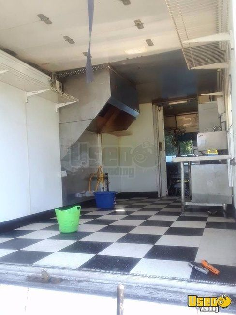Workhorse BBQ / Mobile Kitchen / Food Truck for Sale in Tennessee - Small 8