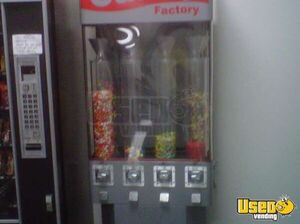 1 N Usi Snack Machine 3 California for Sale