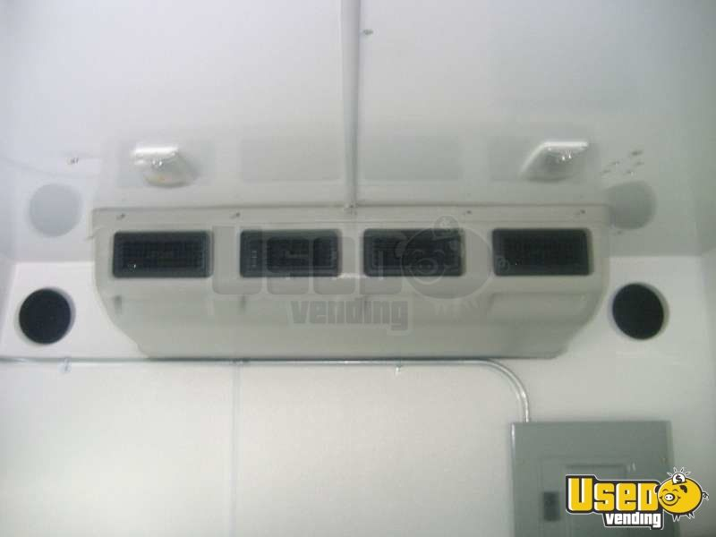 Used Ford E450 Food Truck in New York for Sale - 12
