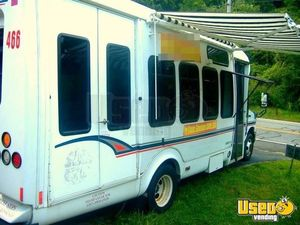 Used Ford E450 Food Truck in New York for Sale - Small 6