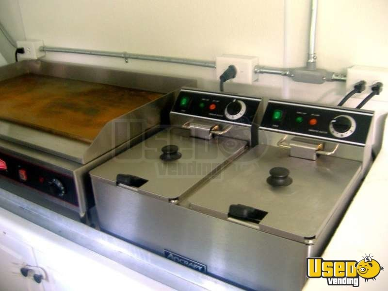 Used Ford E450 Food Truck in New York for Sale - 8