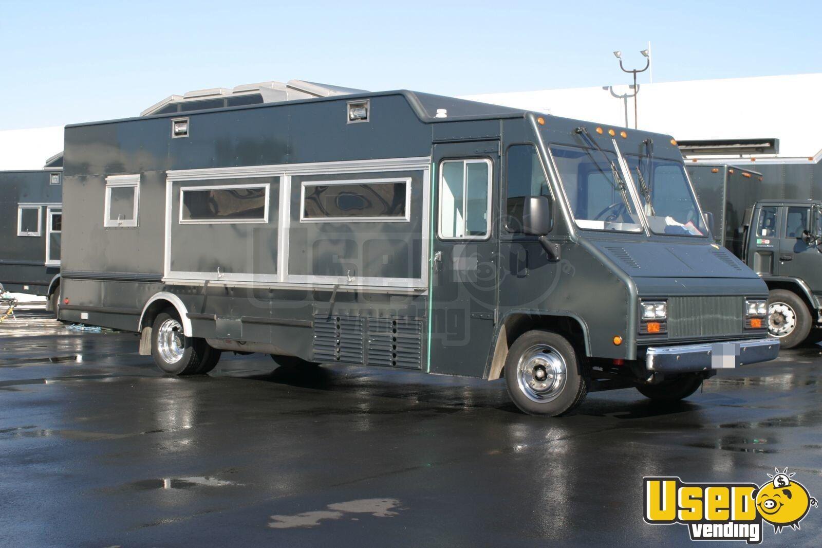 Freightliner Stepvan Mobile Kitchen Food Truck For Sale
