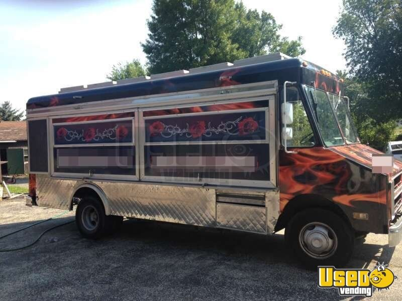 for sale used chevy p30 step van food truck in wisconsin mobile kitchen. Black Bedroom Furniture Sets. Home Design Ideas