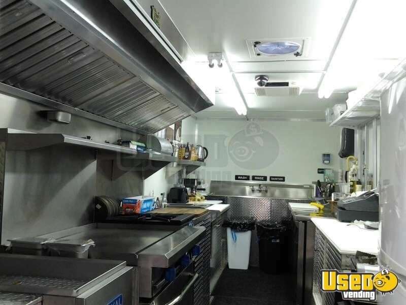 Used Chevy P30 Food Truck in Florida for Sale - 16
