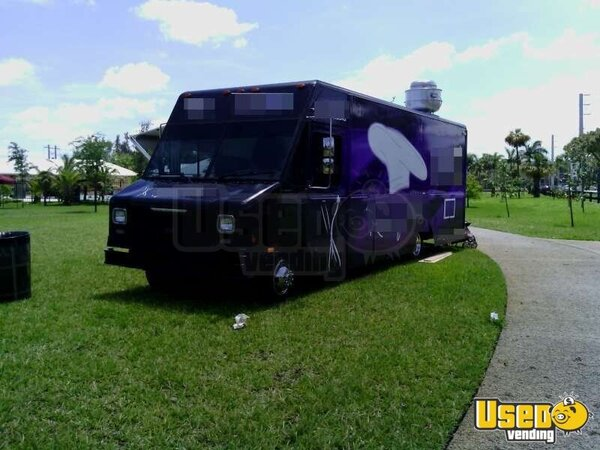 Used Chevy P30 Food Truck in Florida for Sale!!!