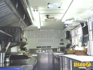 Used Chevy P30 Food Truck in Florida for Sale - Small 17