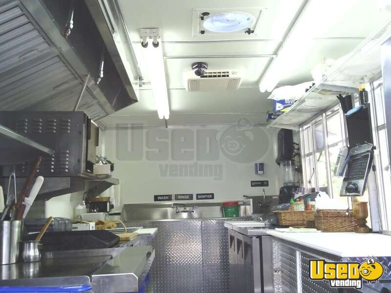 Used Chevy P30 Food Truck in Florida for Sale - 17