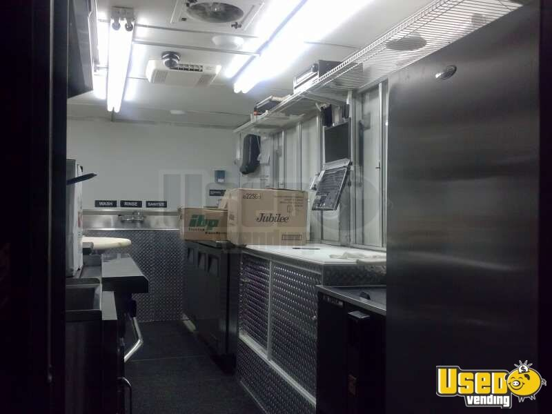 Used Chevy P30 Food Truck in Florida for Sale - 20