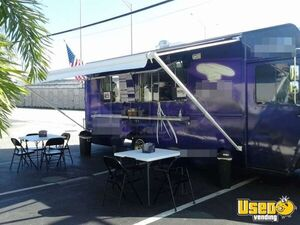Used Chevy P30 Food Truck in Florida for Sale - Small 4