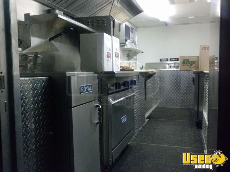 Used Chevy P30 Food Truck in Florida for Sale - 19
