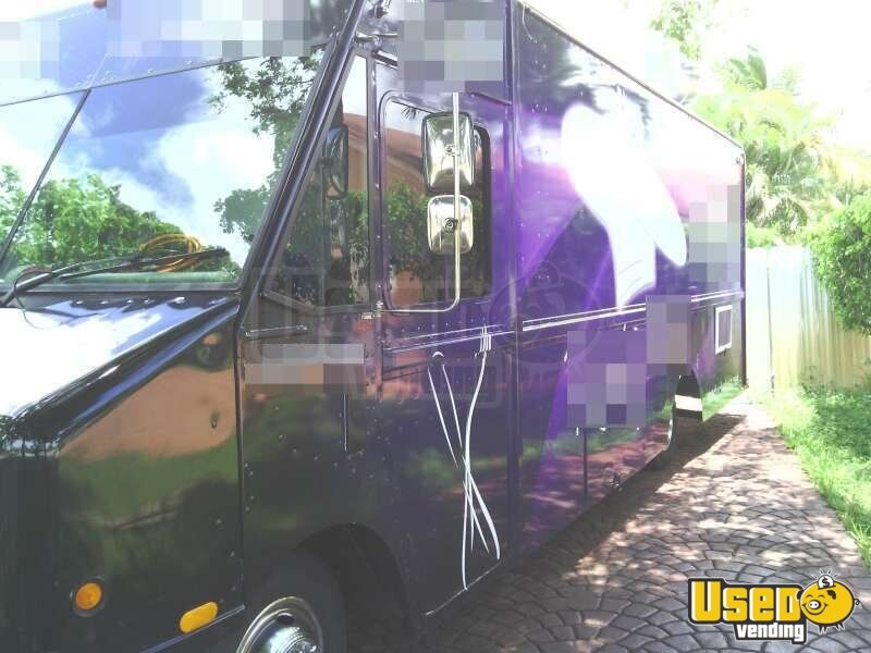 Used Chevy P30 Food Truck in Florida for Sale - 11