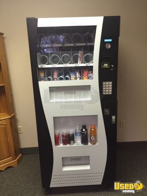 Used Genesis GO-380 Snack and Soda Vending Machine | Combo ...