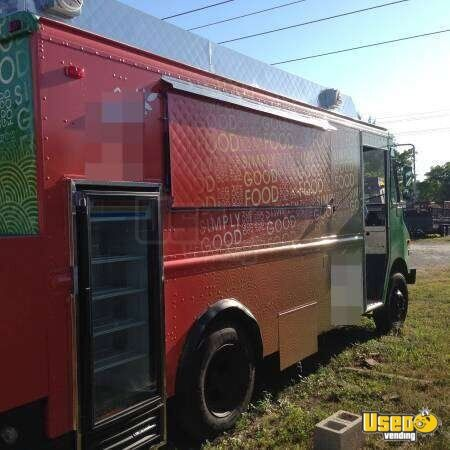 Chevy P30 Step Van Food Truck for Sale in Florida - 2