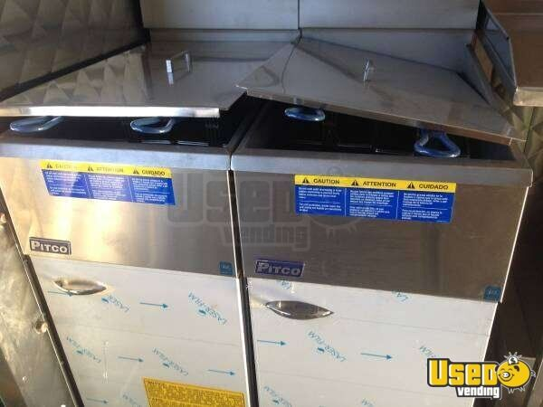 Chevy P30 Step Van Food Truck for Sale in Florida - 17