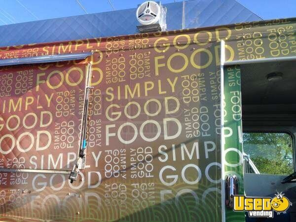 Chevy P30 Step Van Food Truck for Sale in Florida - 7