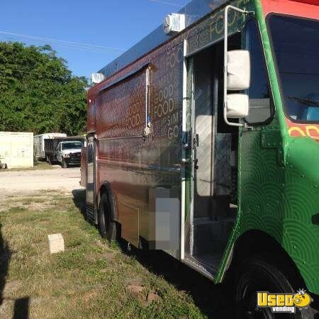 Chevy P30 Step Van Food Truck for Sale in Florida - 3