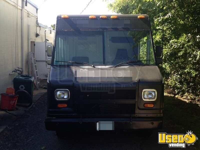 1998 - 16' GMC Workhorse Food Truck - 29
