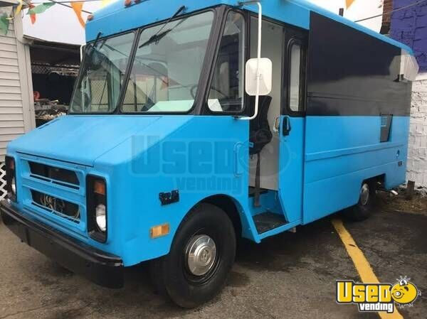 chevy food truck mobile kitchen for sale in massachusetts. Black Bedroom Furniture Sets. Home Design Ideas